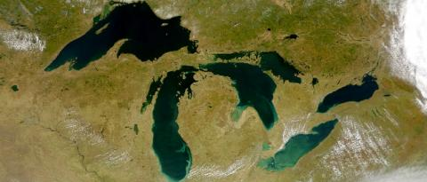 A satellite map of the Great Lakes region.